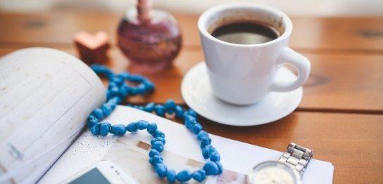 コーヒーと腕時計