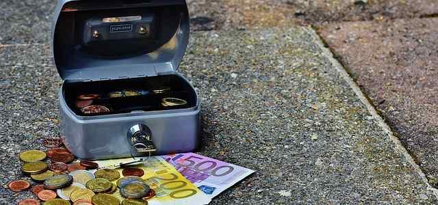 手提げ金庫と外貨