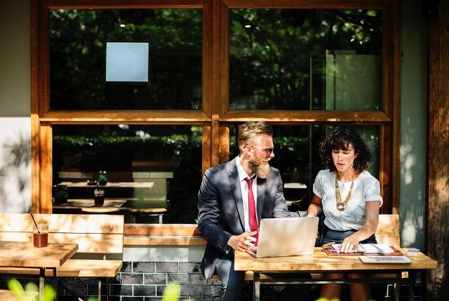 転職エージェントが採用面接で同行、同席する目的とメリット