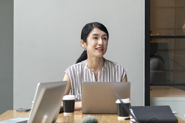 """女性技術者が悩む""""働きづらい環境""""「転職したい」と感じるとき"""